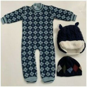 Clayeux Baby Boys One-piece + 2 Gap winter hats 6m